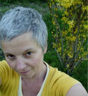 portrait en jaune